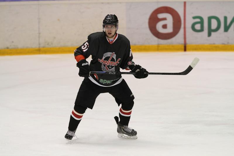 Челябинская команда Высшей хоккейной лиги Челмет проиграла в Кургане местному Зауралью со счётом 0:3.