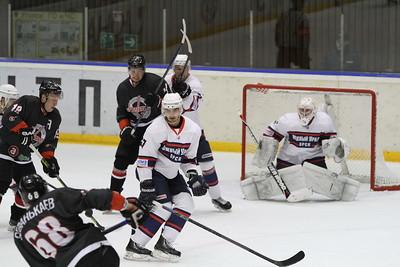 Челябинская команда Высшей хоккейной лиги Челмет выиграла по буллитам у Южного Урала из Орска со счётом 4:3.
