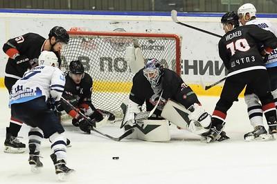 «Челмет» и «Рязань» сожители по турнирной таблице. Обе команды набрали по восемнадцать очков.
