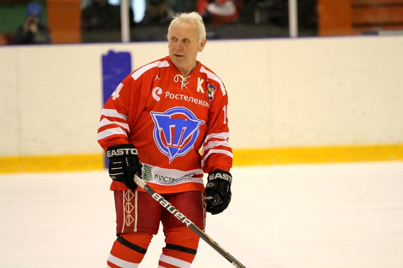 Команда ветеранов челябинского Трактора во главе с Юрием Шумаковым сыграла на турнире в столице Латвии в дивизионе 60+.