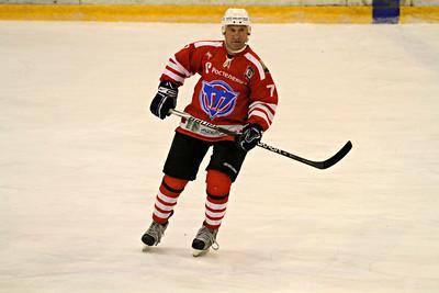 Официальный сайт челябинской команды Высшей хоккейной лиги Челмет Челябинск сообщил об изменениях в тренерском штабе команды.