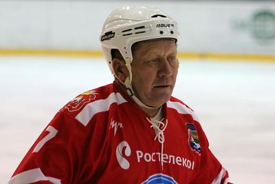 Чемпионат Челябинска по хоккею среди ветеранов. Лафарж - Трактор 3:2. 1 декабря 2011