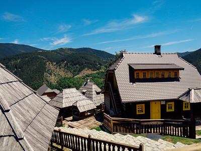 дървения град сърбия