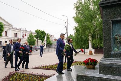 25.05.2021 - Возложение цветов к памятнику Г.Р. Державина (Фото Салават Камалетдинов )