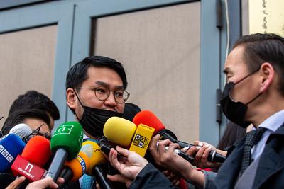 2021 оны гуравдугаар  сарын 23. Ерөнхийлөгчийн Тамгын газрын дарга Ө.Шижир Ерөнхийлөгчийн гаргасан захирамжтай холбоотойгоор сэтгүүлчдэд мэдээлэл өглөө.  Тэрээр, Монгол Улсын Ерөнхийлөгч МАН-ыг тараах тухай захирамж гаргасан. Өнөөдөр өөрийн биеэр Улсын Дээд шүүхэд нотлох баримт, бичгийг хүргүүлэх байсан. Гэсэн хэдий ч Дээд шүүхийн байранд  гарсан халдварын нөхцөл байдалтай холбоотойгоор шүүгч нар хүрэлцэн ирэх боломжгүй болсон. Энэ байдлыг хүндэтгэн хүлээн авч, Улсын Дээд шүүхэд өгөх гэж байсан материалуудаа бичиг хэргээр хүргүүлж байна. Мөн Ерөнхийлөгчийн Тамгын газрын сайтад байршуулах юм гэлээ. ГЭРЭЛ ЗУРГИЙГ Б.БЯМБА-ОЧИР/MPA