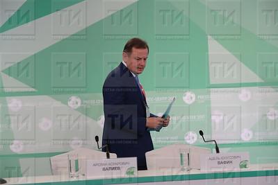Пресс-конференция с министром здравоохранения РТ А. Вафиным Кубка Конфедераций фото Рамиля Гали