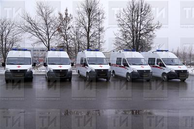 30.12.2017  - Церемония вручения ключей от машин скорой медицинской помощи  (фото Салават Камалетдинов)