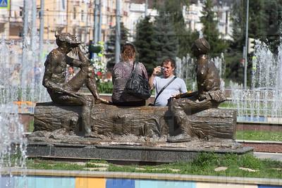 09.08.17 Казань летом - ул.Татарстан у театра Камала ( Михаил Захаров )