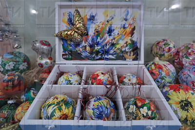 15.12.2017  - Выставка Фабрики елочных игрушек (фото Салават Камалетдинов)
