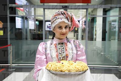 аэропорт, встреча, каршылау, үзбекский театр, үзбәкстан театры, театр камала, камал театры