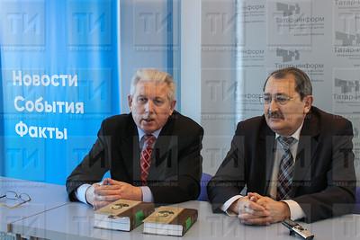 Рамиль Исламов слева и Заудат Миннуллин справа