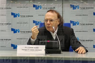 2015 Эдвард Радзинский (фото: Султан Исхаков/ИА Татар-Информ)