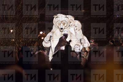 """Россия. Казань. 29.12.2017 - Выступление французской труппы """"Remue Menage"""" в парке Черное озеро (фото: Ильнар Тухбатов/ ИА Татар-Информ)"""