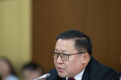 2019 оны арваннэгдүгээр сарын 05.   Эдийн засгийн байнгын хорооны хуралдаанаар Монголбанкны ерөнхийлөгч Н.Баяртсайханг огцруулах асуудлыг хэлэлцэж байна. ГЭРЭЛ ЗУРГИЙГ Б.БЯМБА-ОЧИР/МРА