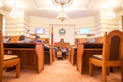 2019 дөрөвдүгээр сарын 12. УИХ-ын чуулганы нэгдсэн хуралдаан.  УИХ-ын чуулганы нэгдсэн хуралдаанаар Нийгмийн даатгалын сангаас олгох тэтгэвэр, тэтгэмжийн тухай хуульд нэмэлт оруулах тухай хуулийн төсөл болон хамт өргөн мэдүүлсэн хуулийн төслүүдийг хэлэлцэх эсэхийг хэлэлцэв. Хэлэлцэж байгаа асуудалтай холбогдуулан гишүүд асуулт тавьж хариулт авлаа.      Уг хуулийн төслөөр 1991 оны Засгийн газрын тогтоолоор наснаасаа эрт тэтгэвэрт гарсан 17 мянган эхчүүдийн тэтгэврийг тэнцвэржүүлсэн тэтгэврийн хэмжээнд хүргэх асуудлыг УИХ-ын эмэгтэй гишүүд хуулийн төсөл боловсруулан өргөн барьжээ. Уг хуулийг хэрэгжүүлэхэд 9 тэрбум төгрөг шаардлагатай юм байна.      Ийнхүү өнөөдрийн үдээс өмнөх чуулганы хуралдааы завсарлалаа.  ГЭРЭЛ ЗУРГИЙГ Б.БЯМБА-ОЧИР /МРА