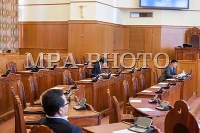 2016 оны тавдугаар сарын 17. УИХ-ын өнөөдрийн хуралдаанаар Прокурорын байгууллагын тухай хуулийг хэлэлцэж байна. ГЭРЭЛ ЗУРГИЙГ Б.БЯМБА-ОЧИР/MPA