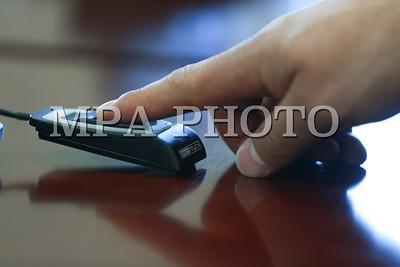 2019 оны гуравдугаар сарын 15.  УИХ-ын гишүүдийн санал хураалтын хурууны хээ.  ГЭРЭЛ ЗУРГИЙГ Б.БЯМБА-ОЧИР/MPA