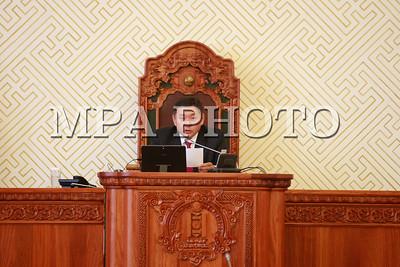 2016 оны наймдугаар сарын 03. ТАЗ-ын орон тооны гишүүдийг томилсноор шинээр бүрдсэн парламент Анхдугаар чуулганаа завсарлууллаа.   ГЭРЭЛ ЗУРГИЙГ Б.БЯМБА-ОЧИР/MPA