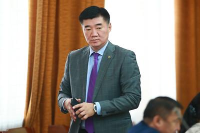 """2018 оны тавдугаар сарын 16. Төсвийн байнгын хорооны хуралдаанаар """"Хүүхдийн мөнгөн тэтгэмжийн хамрах хүрээг нэмэгдүүлэх талаар авах арга хэмжээний тухай"""" болон """"Монгол Улсын хүүхэд бүрт хүүхдийн мөнгөн тэтгэмж буюу """"Хүүхдийн мөнгө"""" олгох тухай"""" Улсын Их Хурлын тогтоолын нэгтгэсэн төсөл /Засгийн газар 2018.04.30-ны өдөр өргөн мэдүүлсэн, анхны хэлэлцүүлгийг хийлээ. ГЭРЭЛ ЗУРГИЙГ Б.БЯМБА-ОЧИР/MPA"""