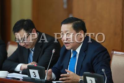Эдийн засгийн байнгын хорооны хуралдаанд Монголбанкны Ерөнхийлөгч мэдээлэл хийлээ