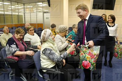 13.12.2017 -Вручение подарков людям с ограниченными возможностями в рамках закрытия декады инвалидов (фото Салават Камалетдинов)