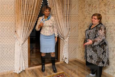 14.02.2018  - Министр труда РТ, поздравил долгожителя Казани с 90 летием . (фото Салават Камалетдинов)