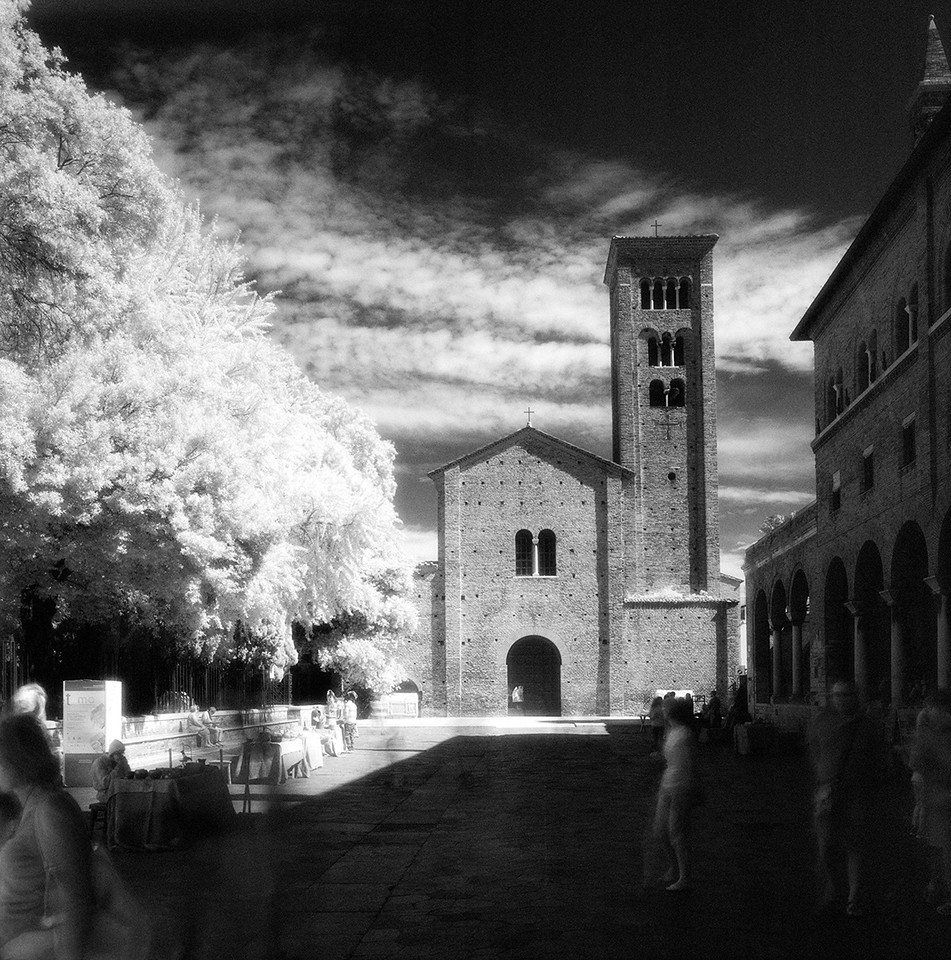 47  Ravenna -- Small Duomo 3