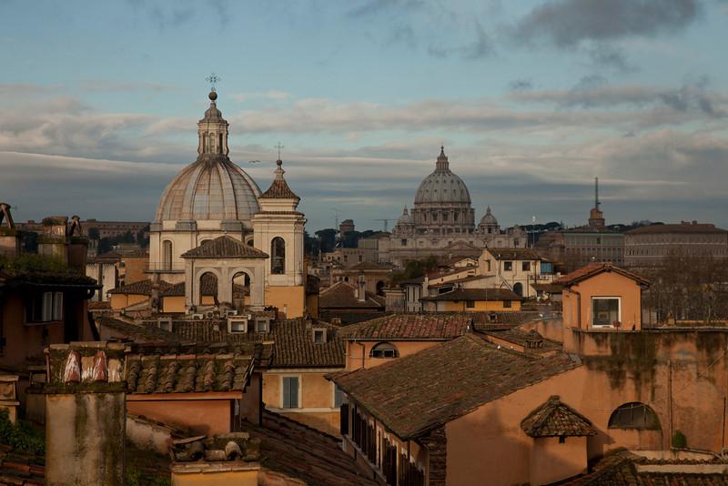 Рим, утро.