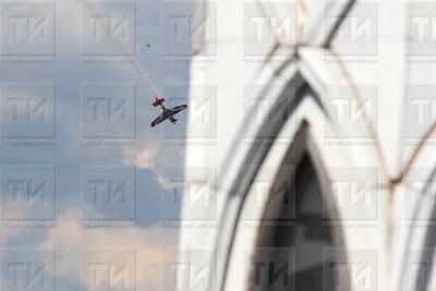 Россия, Казань, 22.07/17, квалификация Red Bull Air Racing ( (фото: Михаил Захаров / ИА Татар-Информ)  )