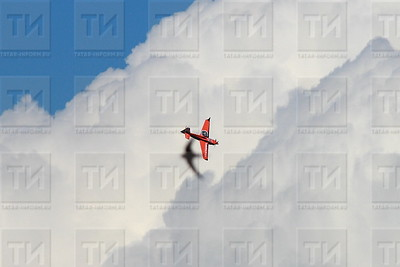 Россия, Казань, 22.07/17, квалификация Red Bull Air Racing ( (фото: Михаил Захаров / ИА Татар-Информ)  )