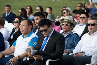 """2018 оны наймдугаар сарын 01. Монгол Улсын Ерөнхийлөгч Х.Баттулга Үндэсний цэцэрлэгт хүрээлэнд өнөөдөр нээлтээ хийж буй байт харвааны """"360"""" талбайн нээлтийн ёслолд оролцож, үг хэллээ.  Энэхүү байт харвааны талбайг иргэд болон аж ахуйн нэгжийн хандивын тусламжаар 60 хоногт багтаан """"360"""" төслийн хүрээнд барьсан байна. Мөн талбайд геннесийн номд бичигдэхүйц том буюу 27*13 метр хэмжээтэй олимпийн цагираг босгож байгаа нь байт харвааны төрлөөр Монгол Улс олимпийн медальтай болохыг билэгшээж байгаа аж.  """"Дайчин чанар-Тэсвэрийн талбар"""" гэж нэрлэсэн энэхүү талбайд байт харвааны мэргэжлийн тамирчид ирж хичээллэхээс гадна сонирхогчид сум тавьж, байт харвааны спортоор хичээллэж болох юм байна.   ГЭРЭЛ ЗУРГИЙГ Б.БЯМБА-ОЧИР/MPA"""