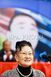 """2017 оны дөрөвдүгээр сарын 25. Чөлөөт бөхийн 2017 оны өсвөр үеийн УАШТ-ийг чөлөөт бөхийн олимпийн наадмын анхны мөнгөн медальт, ДАШТ-ий анхны хүрэл медальт, Монгол Улсын Хөдөлмөрийн баатар, гавьяат тамирчин Ж.Мөнхбат аваргын нэрэмжит болгон зохион байгуулаж байна. Ж.Мөнхбатын ДАШТ-ээс анхны хүрэл медалийг хүртсний түүхт 50 жилийн ой энэ онд тохиож байгаа учирМонголын чөлөөт бөхийн холбоо, """"Хакүхо сан"""" хамтран зохион байгуулахаар болжээ.ГЭРЭЛ ЗУРГИЙГ Б.БЯМБА-ОЧИР/MPA"""