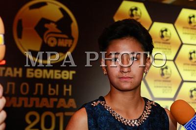 """2017 оны арванхоёрдугаар сарын 12.  Монголын хөлбөмбөгийн холбооноос зохион байгуулдаг оны шилдгүүдийг шалгаруулах """"Алтан бөмбөг"""" ёслолын ажиллагаа боллоо.  ГЭРЭЛ ЗУРГИЙГ MPA"""