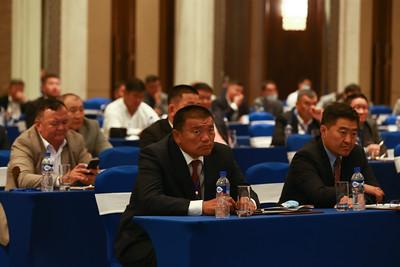 2020 оны наймдугаар сарын 14. Монгол Улс Олимпын анхны аваргатай болсон түүхэн өдөр /2008.08.14/ өнөөдөр тохиож байна.  Тодруулбал, Одоогоос 12 жилийн өмнөх энэ өдөр буюу 2008 оны зуны олимпын 29-р наадмаас  24 настай, Найдангийн Түвшинбаяр жүдо бөхийн -100 кг-ийн жинд алтан медаль хүртэж, Монголчуудын 44 жилийн турш хүлээсэн хүслийг биелүүлж байжээ. Тэгвэл анхны алтан медаль хүртсэн түүхэн энэ өдөр хөл хорионоос болж хойшлогдоод байсан Монголын Үндэсний Олимпын Хорооны ерөнхийлөгчийг сонгох хурал болж байна.  Тус хорооны ерөнхийлөгчид ганц хүн нэр дэвшсэн нь Олимпын алт, мөнгөн медальт, Хөдөлмөрийн баатар, гавьяат тамирчин Н.Түвшинбаяр юм.  Хэрэв өнөөдөр МҮОХ-ны ерөнхийлөгчөөр Н.Түвшинбаяр сонгогдвол, Олимпын аварга болсон түүхэн өдөртэй давхцах юм байна. ГЭРЭЛ ЗУРГИЙГ Б.БЯМБА-ОЧИР/MPA