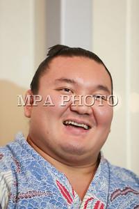 2017  оны долоодугаар сарын 24. Японы мэргэжлийн сумо бөхийн их аварга Хакухо М.Даваажаргал эх орондоо ирлээ. Японы мэргэжлийн сумо бөхийн Нагоя башё Монголын сумоч их аварга Хакухо М.Даваажаргал 14 даваа 1 унаатайгаар түрүүллээ. Тэрбээр мэргэжлийн сумогийн дээд зиндаанд 39 дэх удаагаа түрүүлсэн нь энэ байлаа. ГЭРЭЛ ЗУРГИЙГ Б.БЯМБА-ОЧИР/MPA
