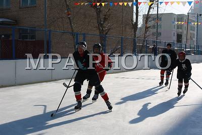 2016 оны Арваннэгдүгээр сарын 30. Сүхбаатар дүүргийн 5-р хороонд байрлах, 6-р сургуулийн гадна талбайд байгуулсан хоккейн талбайн нээлт боллоо. ГЭРЭЛ ЗУРГИЙГ Б.БЯМБА-ОЧИР/MPA