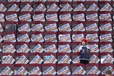 МАГНИТОГОРСК. 20.03.018 - Матч континентальной хоккейной лиги между ХК Металлург и ХК Ак Барс (фото: Ильнар Тухбатов/ ИА Татар-Информ) болельщики