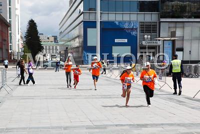 """2017 оны наймдугаар сарын 13. """"Үзэсгэлэнт Улаанбаатар"""" өртөөт марафоны нээлтийн ёслол боллоо. ГЭРЭЛ ЗУРГИЙГ Г.БАЗАРРАГЧАА /MPA"""