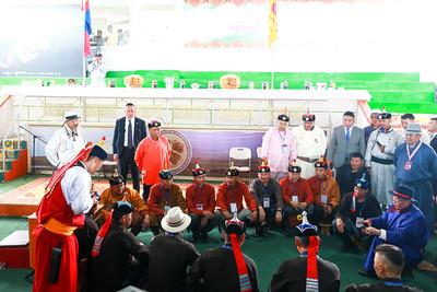 2019 оны долдугаар сарын 11.  Тулгар төрийн 2228, Их Монгол Улс байгуулагдсаны 813, Үндэсний эрх чөлөө, тусгаар тогтнолоо зарлан тунхагласны 108, Ардын хувьсгалын 98 жилийн ойн баяр наадмын нээлтийн үйл ажиллагаанд /2019.07.11/ Монгол Улсын Их Хурлын дарга Г.Занданшатар оролцож, үзэж сонирхлоо.  Наадмын нээлтийн үйл ажиллагааны дараа УИХ-ын дарга Г.Занданшатар сурын талбайд зочлов. Энэ үеэр монгол төрийн уламжлалын дагуу нум эвшээлгэн, сум тавьж, наадамчин олондоо хүндэтгэл үзүүллээ.                Үүний дараа шагайн асарт саатаж, харвах үеэрээ таван бай оноход наадамчин олон уухайлан баяр хүргэлээ. Шагайн харваа үндэсний баяр наадмын нэгэн төрөл болоод 21жил болж байгаа билээ.  Энэ үеэр УИХ-ын дарга Г.Занданшатар хэвлэлийнхэнд ярилцлага өглөө. Тэрбээр монгол түмэн, наадамчин олноос цог хийморь, баяр жавхлан илт мэдрэгдэж байгаа нь сайхан цаг ирж буйн илрэл хэмээн бэлгэшээж байгаагаа дурдаад, улс орон маань цэгцэрч, тэгшрэхийн ерөөлийг дэвшүүллээ хэмээн УИХ-ын Хэвлэл мэдээлэл, олон нийттэй харилцах хэлтсээс мэдээллээ.ГЭРЭЛ ЗУРГИЙГ Б.БЯМБА-ОЧИР/MPA