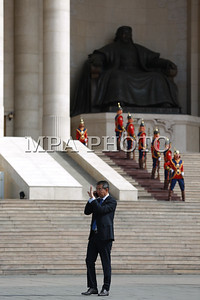 2017 оны тавдугаар сарын 08. Вьетнам улсын дэд Ерөнхийлөгч Данг Тхи Нгок Тхинь, Данг Тхи Нгок Тхинь манай улсад албан ёсны айлчлал хийж байна.   ГЭРЭЛ ЗУРГИЙГ Б.БЯМБА-ОЧИР/MPA