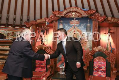 2018 оны дөрөвдүгээр сарын 30.  Монгол Улсын Их Хурлын дарга Миеэгомбын Энхболд Монгол Улсад албан ёсны айлчлал хийж буй Ирланд Улсын Парламентын Доод танхимын дарга Шон О'Фарелыг Монгол Улсын Ерөнхийлөгч Х.Баттулга хүлээн авч уулзлаа.  ГЭРЭЛ ЗУРГИЙГ Б.БЯМБА-ОЧИР/MPA