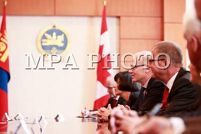 2016 оны есдүгээр сарын 08.  Монгол Улсын Их Хурлын гишүүн, Гадаад харилцааны сайд Ц.Мөнх-Оргил манай улсад албан ёсны айлчлал хийж буй Канад Улсын парламентын Нийтийн танхимын дарга Жиофф Рэганд бараалхав. ГЭРЭЛ ЗУРГИЙГ Б.БЯМБА-ОЧИР/MPA