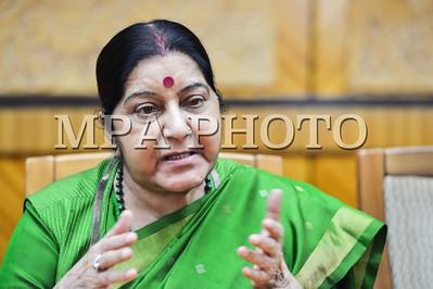 Ерөнхий сайд У.Хүрэлсүх Энэтхэгийн Гадаад хэргийн сайдыг хүлээн авч уулзлаа