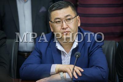 2019 оны гуравдугаар сарын 26. Ардчилсан намаас Монгол Улсын Ерөнхийлөгчөөс өргөн мэдүүлж, УИХ-аар дэмжсэн Шүүгчийн эрх зүйн байдлын тухай, Авлигын эсрэг хуульд нэмэлт ,өөрчлөлт оруулах тухай хууль болон Прокурорын тухай хуульд нэмэлт өөрчлөлт оруулах хуулийн төслүүдийн талаар байр сууриа илэрхийлж мэдээлэл хийлээ.   ГЭРЭЛ ЗУРГИЙГ Б.БЯМБА-ОЧИР/MPA