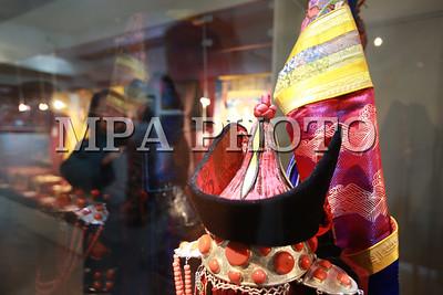 """2018 оны нэгдүгээр сарын 26. """"Гайхамшигт өв соёл-Монгол уран хатгамал"""" үзэсгэлэн.  ГЭРЭЛ ЗУРГИЙГ Б.БЯМБА-ОЧИР/MPA"""