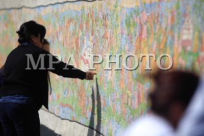 """2017  оны есдүгээр сарын 13.""""Монголын Нууц Товчоо""""-г 108 метр эсгий зээгт ширмэлээр урласан дүрслэх урлагийн бүтээлийг Олон нийтэд танилцууллаа. ГЭРЭЛ ЗУРГИЙГ Г.БАЗАРРАГЧАА/MPA"""