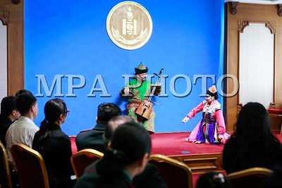 2017 оны арваннэгдүгээр сарын 16. Юнескод бүртгэгдсэн Монголын соёлын биет бус өвүүдийн нэрэмжит булан нээх ёслолын ажиллагаа боллоо. ГЭРЭЛ ЗУРГИЙГ Г.ӨНӨБОЛД /МРА