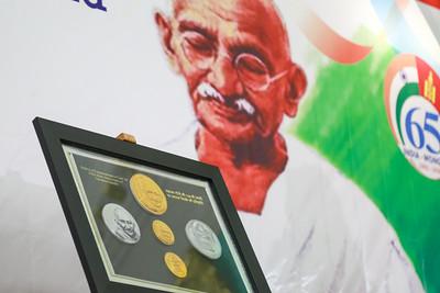 2020 оны аравдугаар сарын 2. Махатма Гандигийн мэндэлсний 150 жилийн ойд зориулсан дурсгалын зоосны нээлт боллоо.ГЭРЭЛ ЗУРГИЙГ Д.ЗАНДАНБАТ/MPA