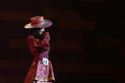 """2018 оны аравдугаар  сарын 17. Дэлхийн тайзнаа эх орноо төлөөлөн алхах гоо бүсгүйг шалгаруулах """"Miss Universe Mongolia"""" уралдааны ялагч тодорлоо. Гурван сарын хугацаанд үргэлжилсэн уг тэмцээний эцсийн шалгаруулалт болж, үндэсний ялагчаар загвар өмсөгч Д.Долгион түрүүлж, тэргүүн шагнал болох титмийн эзэн болсон юм.   ГЭРЭЛ ЗУРГИЙГБ.БЯМБА-ОЧИР/MPA"""