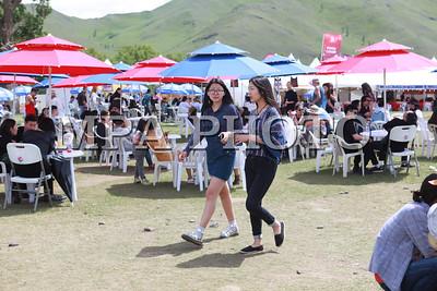 """Нийслэлийн """"Найрсаг Улаанбаатар"""" хөтөлбөрийн хүрээнд PLAYTIME 2016 Амьд Хөгжмийн Наадам энэ онд 6-р сарын 24, 25, 26-ны өдөр Монгол Шилтгээнд боллоо.  2002 онд анх үүсгэн байгуулагдаж байсан тус наадам энэ жил 15 дахь жилдээ болох бөгөөд Улаанбаатар хотын орчин үеийн хөгжмийн соёлыг хөгжүүлэх, залууст амралт чөлөөт цагаа цэвэр агаарт, байгаль орчинд ээлтэй хэлбэрээр өнгөрүүлэх, дэлхийн болон Монголын шинэ, шилдэг амьд хөгжмийн хамтлаг дуучдыг танилцуулах замаар тэдний хөгжмийн боловсролыг дээшлүүлэх зорилготой юм.  Playtime наадам нь Монгол улсад 1990-ѳѳд оны сүүлчээр, 2000-аад оны эхээр шинээр дэлгэрч эхэлсэн амьд хѳгжмийн шинэ дугаралт, түүний тѳлѳѳлѳл болсон хамтлаг, дуучид, тэдгээрийн дуу хѳгжмийг олонд хүргэх тайз нь болсноороо онцлогтой юм. Бидний сайн мэдэх олон хамтлагууд энэхүү наадмаар танигдаж байсан түүхтэй. 2002 оноос хойш нийт 500 гаруй хамтлаг, дуучин давхардсан тоогоор тус наадамд оролцож уран бүтээлээ хүргэж байсны дотор АНУ, ИХ Британи, ОХУ, Япон, Ѳмнѳд Солонгос, Ѳвѳр Монголоос урилгаар ирж оролцсон гадны хамтлаг олон байдаг. Тухайлбал, ОХУ-ын Муммий Тролль, Английн Peter Hook and The Lights, АНУ-ын The Pains of Being Pure at Heart, Японы Mono, Envy зэрэг дэлхийд алдартай хамтлагууд Playtime наадамд ирж тоглож байсан.  2014 оноос Playtime наадам нь Нийслэлийн Засаг Даргын ивээл дор """"Найрсаг Улаанбаатар"""" хөтөлбөрийн хүрээнд зохион байгуулагдаж, олон улсын амьд хөгжмийн наадам болж цар хүрээгээ улам өргөтгөсѳѳр байна. Улаанбаатар хотыг орчин үеийн урлаг хөгжмийн соелыг түгээгч нийслэл хот болгож, дэлхийд алдартай хамтлаг дуучдыг тогтмол урьж, ойрхи хөрш улсуудыг хамарсан тэргүүлэх амьд хөгжим, орчин үеийн урлагийн наадам болгож улс орондоо аялал жуулчлалыг хѳгжүүлэхэд тус наадам ѳѳрийн хувь нэмрээ оруулах болно.  Playtime 2016 наадамд дэлхийд алдартай Швед улсын """"The Radio Dept"""", Япон улсын """"Roth Bart Baron"""", """"The You"""", """"Fu-Ching-Gido"""", Сингапурын """"Anna Judge April"""" болон ОХУ, Өвөр Монгол, Ѳмнѳд Солонгос, Монголоос олны танил, шилдэг, шинэ залуу 37 х"""